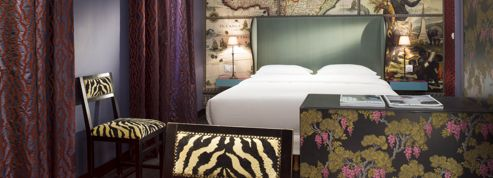un h tel sign christian lacroix paris. Black Bedroom Furniture Sets. Home Design Ideas