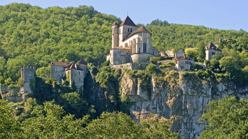 Le village de Saint-Cirq-Lapopie, cher au poète surréaliste.