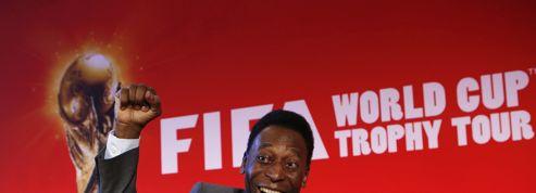 Coupe du monde : le Roi Pelé en tournée avec Coca-Cola