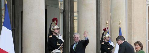 Ecoutes, conspirations, bouffonneries : bienvenue dans la France «d'en haut»