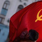 La Russie accélère le calendrier de son mariage avec la Crimée