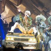 Miley Cyrus: la chanteuse échappe aux flammes