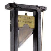 Une guillotine sous le couperet de la vente publique
