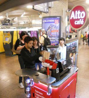 Triporteurs, camions ou mini chariots, Alto café se spécialise dans les formats compacts. (DR.)