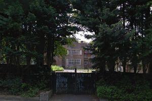 Une autre maison laissée à l'abandon avenue Bishops. Crédits photo: Google Maps.
