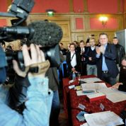 Municipales 2014 : Steeve Briois installé à Hénin-Beaumont, l'opposition entre en combat