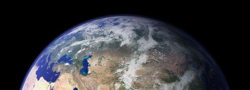 Pourquoi la croûte terrestre est découpée en plaques