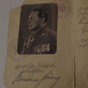 La vente d'objets nazis interdite par Aurélie Filippetti