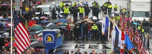 Marathon de Boston : un an après l'attentat, la ville rend hommage aux victimes