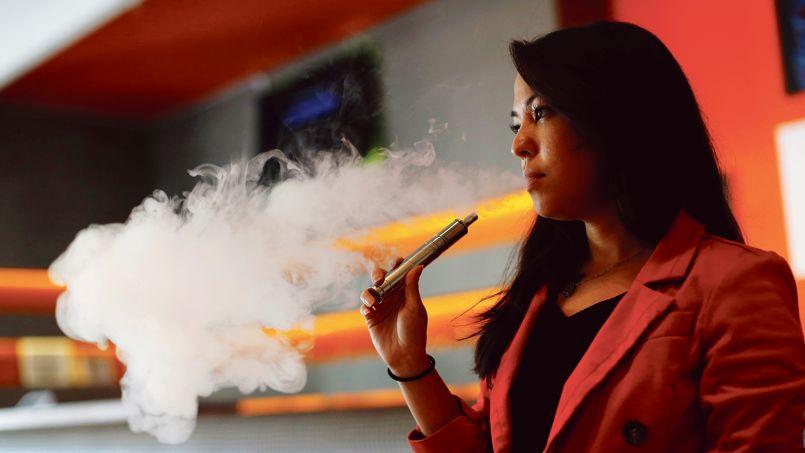 L'explosion du marché de la cigarette électronique depuis deux ans est un séisme pour les géants du tabac.