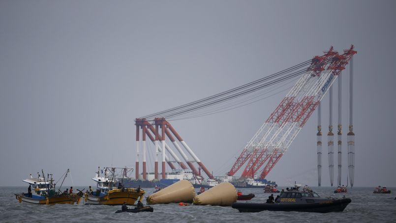 Naufrage : la présidente de Corée du Sud accuse l'équipage du ferry de «meurtre»