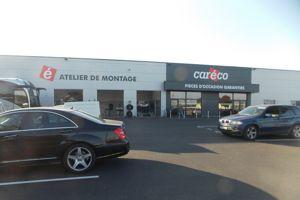 Le site Caréco de Dunkerque propose à ses clients de monter directement les pièces sur leur véhicule.