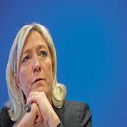 Le Pen: «Valls et Hollande seront obligés de rendre les armes»