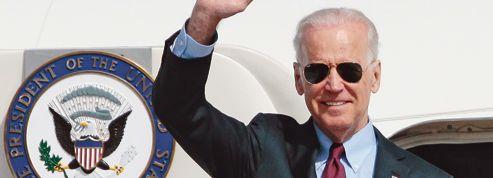 En visite à Kiev, Biden cherche une riposte à Poutine