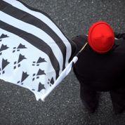 Quatre «bonnets rouges» maintenus en détention