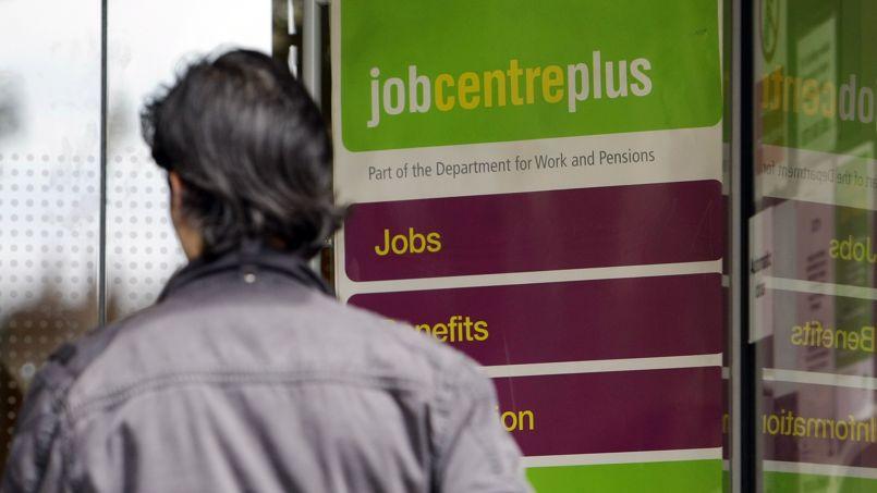 Les chômeurs anglais de longue durée devront pointer tous les jours