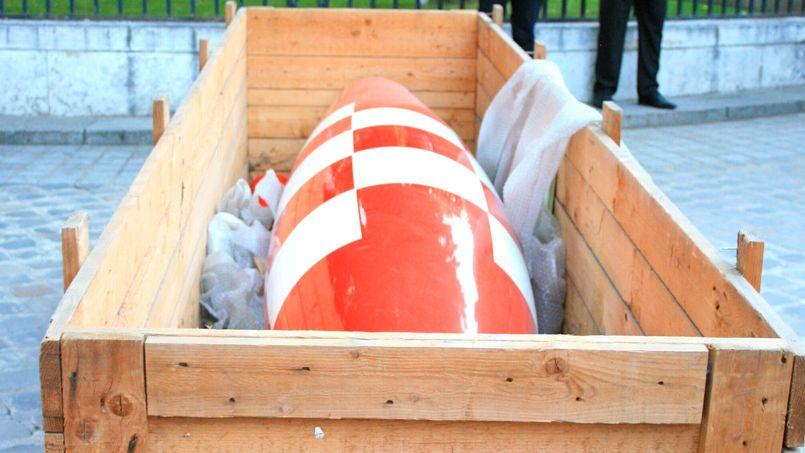 Mardi 29 avril, 6h30 du matin. La fusée vient d'arriver dans la cour de l'hôtel Dassault.