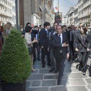 Les sorties à pied en dehors de l'Elysée devenues «difficiles», admet Hollande