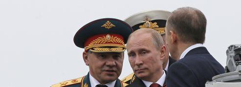 Ukraine : Poutine parade en Crimée, des affrontements mortels frappent l'Est