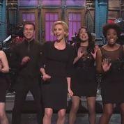 Charlize Theron reine de l'autodérision au Saturday Night Live
