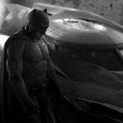 Ben Affleck bodybuildé dans son habit de Batman