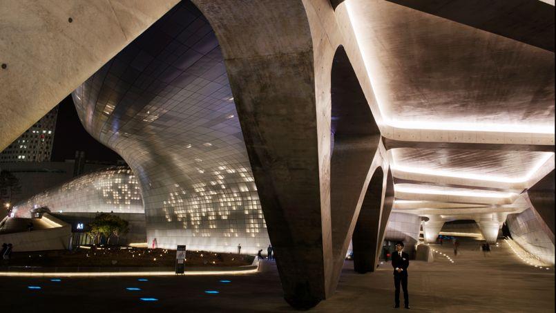 Le Dongdaemun Design Plaza (DDP) de l'architecte Zaha Hadid, a été inauguré en mars dernier.
