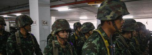 Thaïlande: le va-tout d'une élite aux abois?