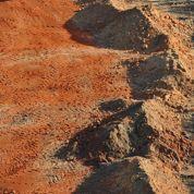 Pourquoi la terre battue de Roland-Garros est orange