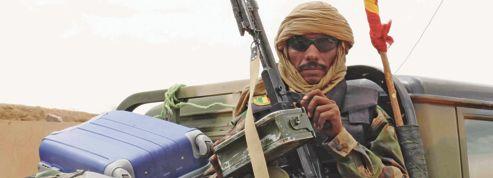 Mali: la débâcle de l'armée provoque une crise politique