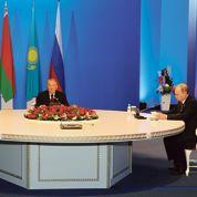 Vladimir Poutine déploie sa stratégie eurasiatique