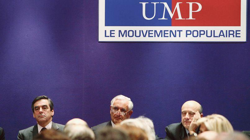 François Fillon, Jean-Pierre Raffarin et Alain Juppé, lors d'un bureau politique de l'UMP en novembre 2010.