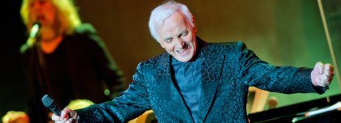 Charles Aznavour ovationné par le public du Royal Albert Hall de Londres