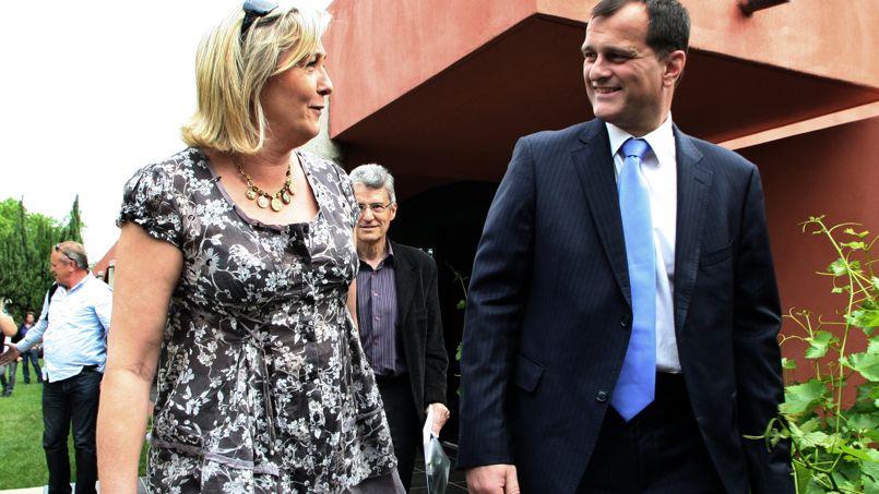 Le Pen sur son baiser : «Quoi que je fasse, c'est considéré comme mal adapté»