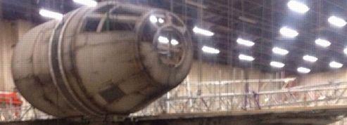 Star Wars VII : première image du Faucon Millenium de Han Solo