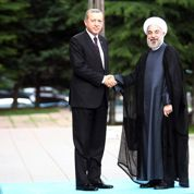 Le président iranien Hassan Rohani en terrain miné en Turquie