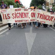Intermittents : «Une manœuvre de Valls pour passer l'été»