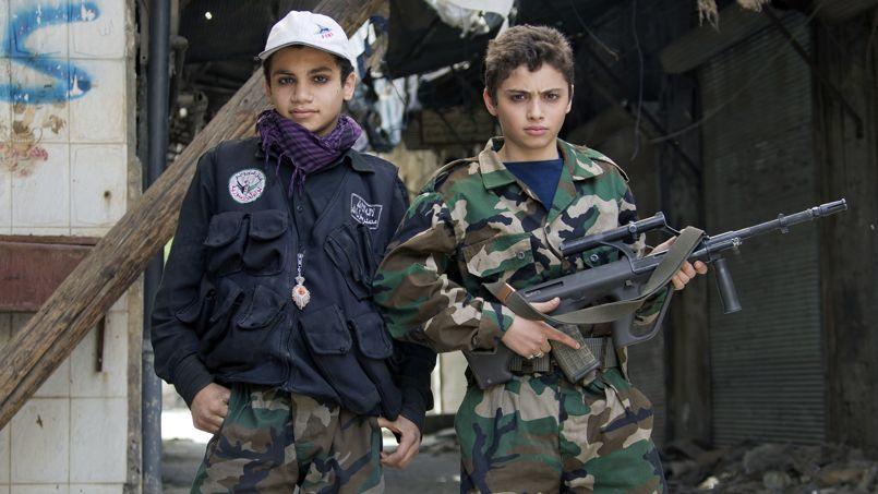 «En Syrie, des enfants se battent dans les rangs des rebelles»