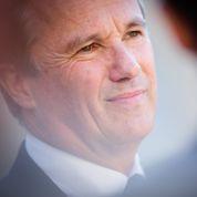 Dupont-Aignan conteste à Sarkozy son brevet de gaullisme
