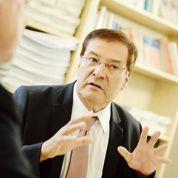 Pierre-Alain Muet, l'ex-conseiller de Lionel Jospin qui sert de caution aux rebelles