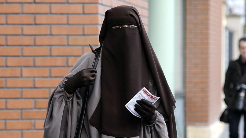 la justice europ 233 enne se prononce sur l interdiction du port de la burqa en