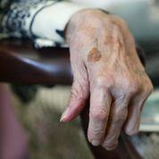 L'explosion de la solitude chez les plus de 75 ans