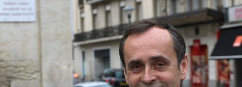 Robert Ménard rend hommage à des fusillés de l'OAS au côté d'un député UMP