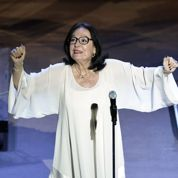 Nana Mouskouri sur la scène de l'Acropole à 80 ans