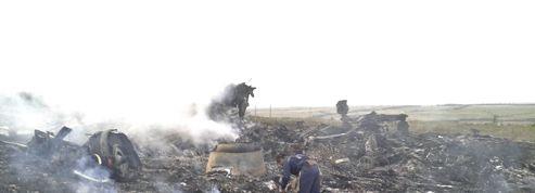 Vol MH17: les secours sont arrivés sur les lieux du crash
