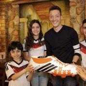 La fausse rumeur de prime versée aux familles de Gaza par l'Allemand Mesut Ozil