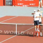 La poignée de main la plus insolite de l'histoire du tennis