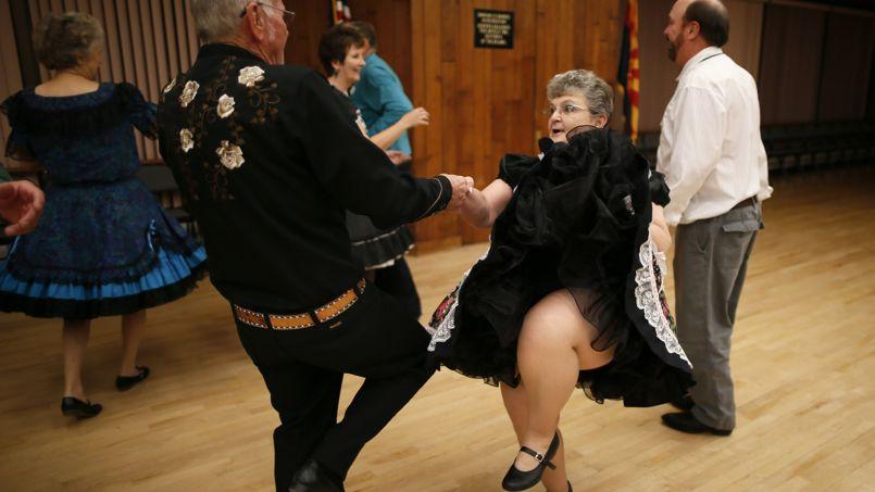 La danse permet aux personnes âgées isolées de recréer des liens (illustration).