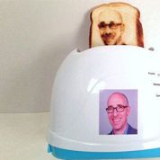 Ce grille-pain insolite imprime votre selfie sur les tartines