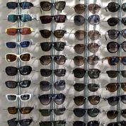 Les hommes dépensent un peu plus que les femmes pour leurs lunettes de soleil