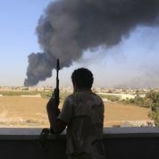 Libye: le pouvoir passe, la détresse demeure